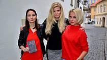Veronika Arichteva, Nikol Štíbrová a Martina Pártlová neboli trio 3v1