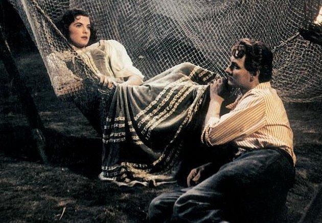 Milena Dvorská se při milostné scéně s Vladimírem Rážem styděla