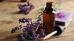 Při výrobě použijte uklidňující levandulový olej.