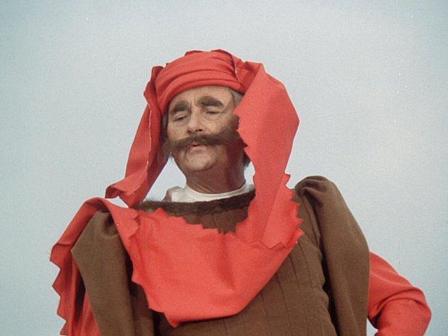 Jako rytíř Brtník z Brtníku pil prý místo alpy vodku, aby s dětmi vydržel.