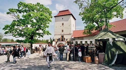 Kam na víkend: Výlov Rožmberka, zámecké slavnosti a hodokvas na hradě