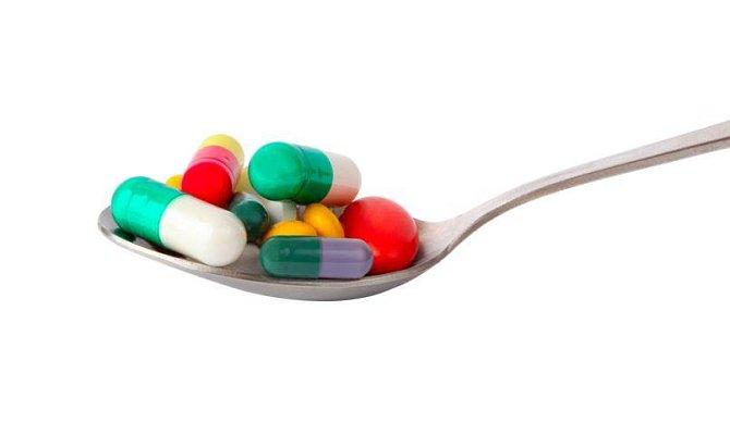 Pak ovšem bohužel následovalo neméně masové používání antibiotik doslova všude.