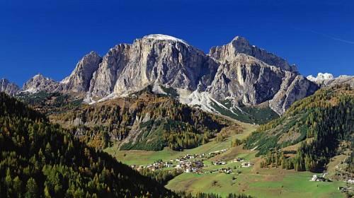 <p>Dolomity, jejich údolí a říčky jsou nádherná tělocvična pod širým nebem.</p>