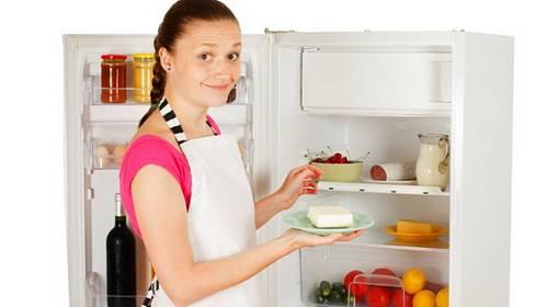 Konečně návod, jak správně uložit nákup do ledničky (infografika)
