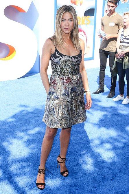 Módní ikona Jennifer Aniston: Kromě jejích vlasů můžete mít i její styl!