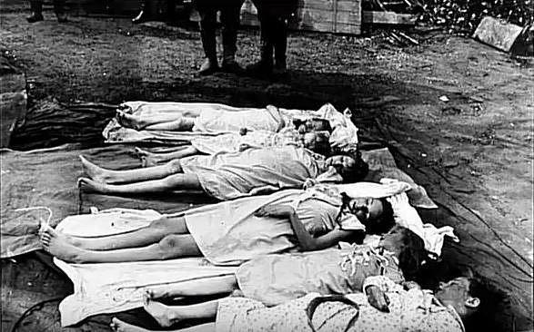 Všech šest svých dětí Magda Goebbelsová společně s doktorem Ludwigem Stumpfeggerem uspala morfiem a kyanidem, po té s manželem Josephem Goebbelesem 1. 5. 1945 spáchala sebevraždu.