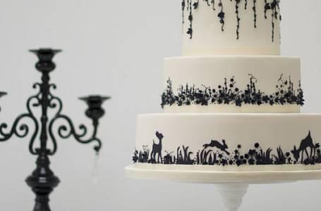 Už jste viděli 120ti patrový svatební dort?