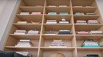 Michael s manželem také zbožňují knihy. Mají jich doma slušnou sbírku (tohle je jen malá část).