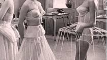 Krinolína - vyztužená spodnička ve tvaru klece