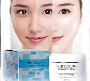 Asie - bez problémů tu sežene krémy na zesvětlení pokožky.
