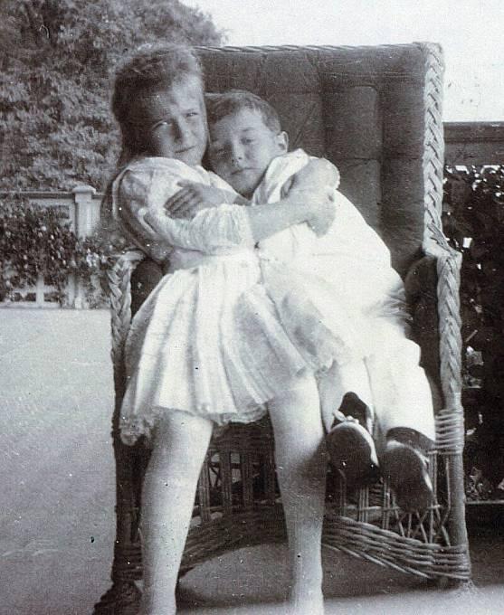 Princezna Anastázie s bratrem Alexejem