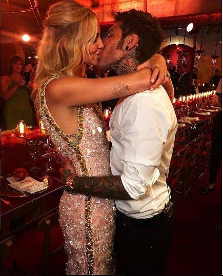 V předvečer svatby Chiara Ferragni oblékla model zn. Prada