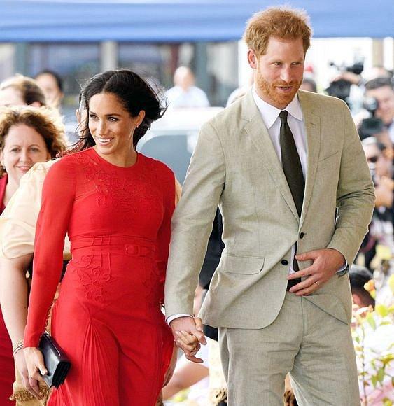 Meghan a Harry očekávají narození prvního dítěte.