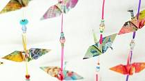 Z kalendářů můžete poskládat origami.
