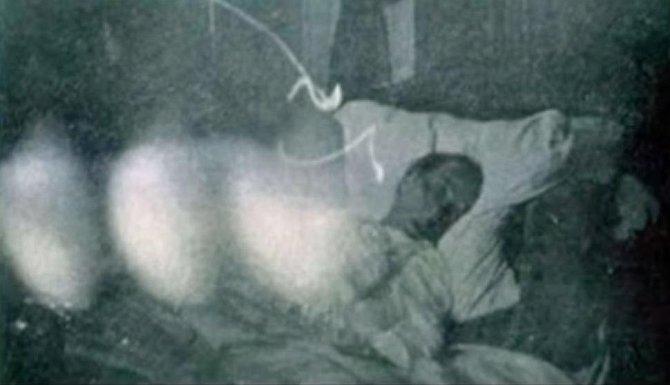 Pár minut po smrti opouští duše tělo mrtvého Jonnathana Sparkleyho