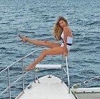 Modelka Gisele Bündchen praktikuje pravidelně jógu a tak má i po dvou dětech postavu snů. Její černobílé plavky budou slušet téměř všem.