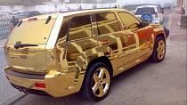 Auto kompletně celé ze zlata