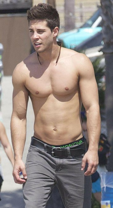 JAR - Dean Geyer
