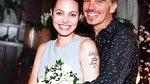 Pětadvacetiletá Angelina se svým druhým manželem Billy Bob Thorntonem.