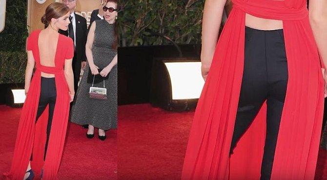 Emma Watson v roce 2014, tuto krásku by v našem výčtu asi nikdo nečekal, ale i ona jednou sáhla vedle. Tato překombinovaná róba se jí podle módních znalců prý opravdu nepovedla.