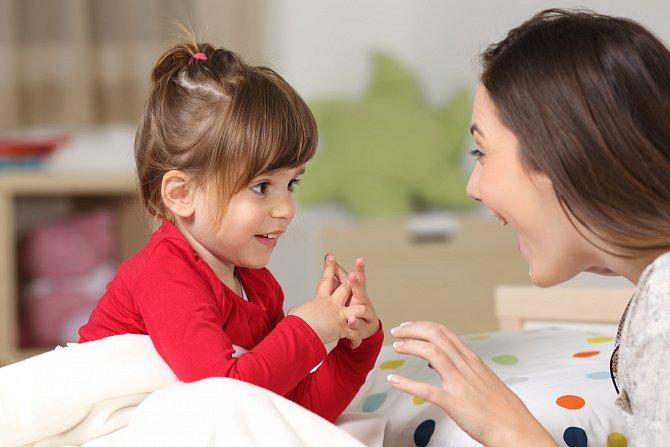 Svým dětem vysvětlete, že stejně jako oni mají hodiny gyymnastiky, i vy potřebujete čas pro sebe.