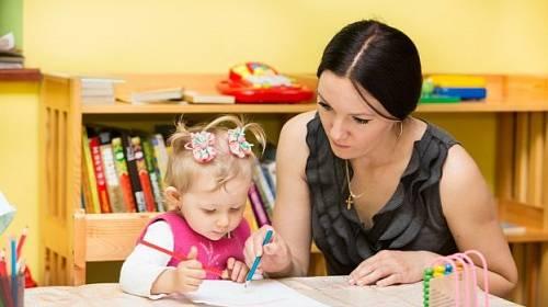 Děti vyžadují naši lásku a péči. Pozor na situaci, kdy po rozvodu jeden z rodičů začne dítětem manipulovat.
