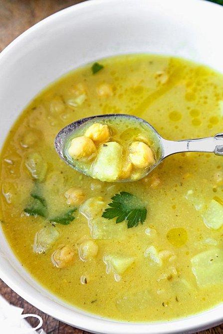 Tuřínová polévka s citronem