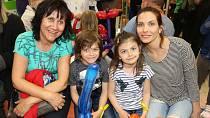 Eva Decastelo s maminkou a dětmi Michalem a Zuzanou