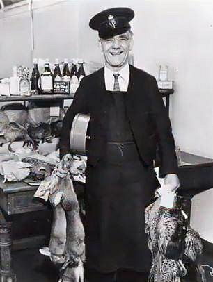 Londýnský pošťák s balíky, rok 1930