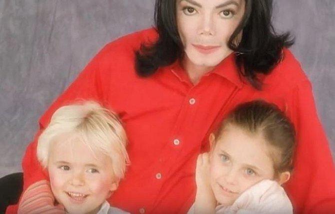 Utajované snímky ze života dětí Michaela Jacksona: Tohle jste asi nečekali...