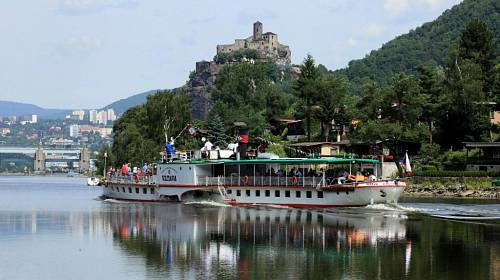 <p>Romantický hrad Střekov obdivoval při své plavbě i spisovatel Andersen</p>