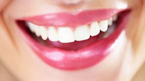 Potraviny, po kterých budou nejen vaše zuby trpět