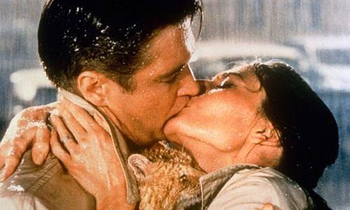 Film Snídaně u Tiffanyho; George Peppard a Audrey Hepburn