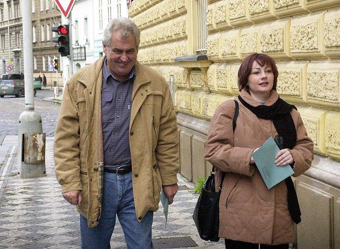 S Ivanou Zemanovou je od roku 1993.