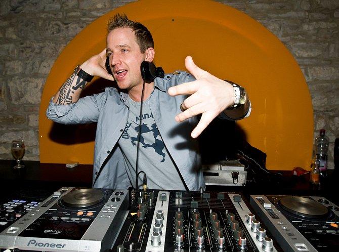 Martin Kocián začínal jako DJ.