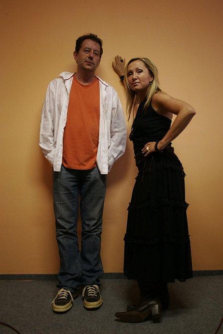 Zpěvačka Bára Basiková rekapituluje svou hudební kariéru na hudebním trojcédéčku Platinum Collection.