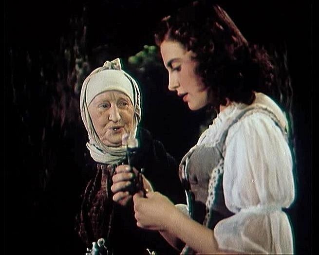 Milena Dvorská jako Maruška
