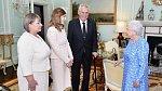 Zemanovi při setkání s královnou Alžbětou II.