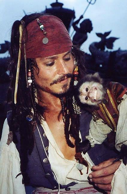 Během natáčení Pirátů z Karibiku si našel i pár přátel.