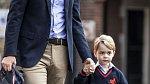 Princ George nebyl ze začátku z nástupu do školy nadšený.