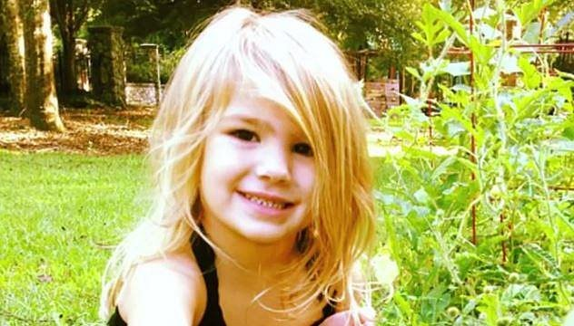 Maddie - dcera Jamie Lynn Spears - se před pár dny málem utopila v bazénu. Lékařům se jí ale naštěstí podařilo zachránit.