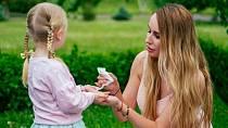 Péče o děti bez vlhčených ubrousků neexistuje.