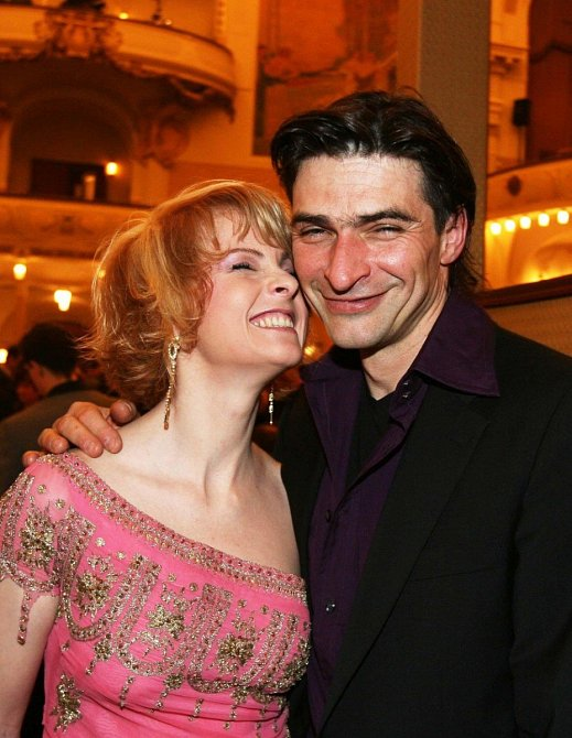 Iveta Bartošová a Zdeněk Podhůrský
