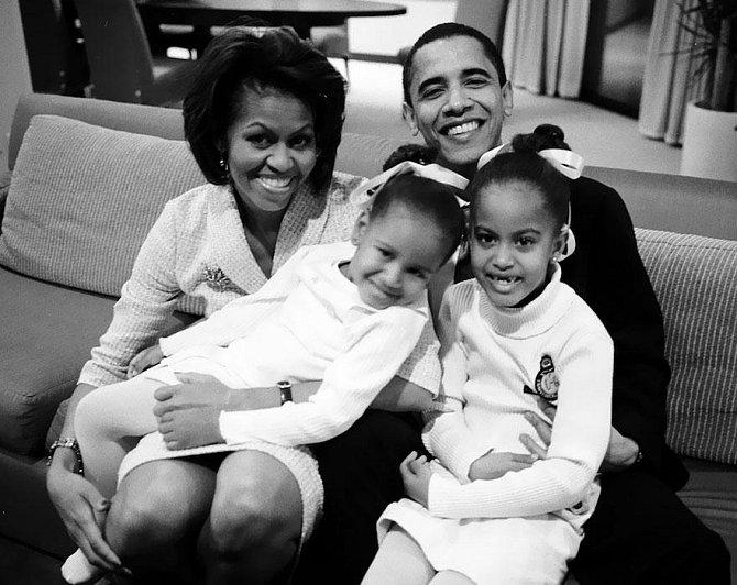 Rodina čeká na výsledky voleb, 2004