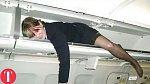 6. Někdy ovšem tento prostor využije k přespání i personál letadla...