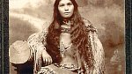 Trhání pubického ochlupení u původních Američanů