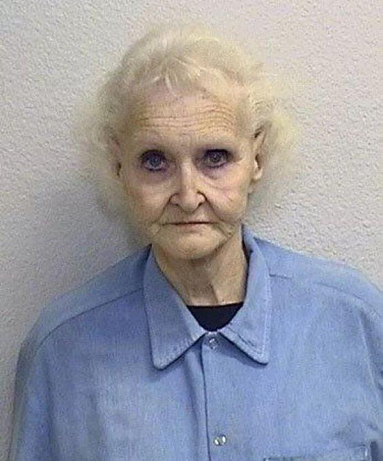 Dorothea si pár týdnů před svým zatčením dopřála facelift z peněz svých obětí.