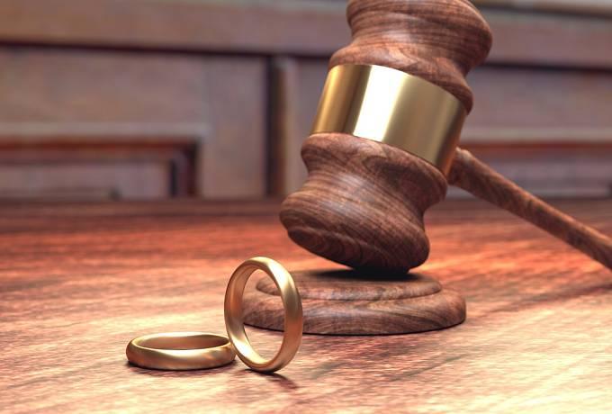 Soud rozvede manželství až ve chvíli, kdy jsou vyřešeny všechny dohody a formality. Žádost o rozvod ale může v mimořádných případech i zamítnout.