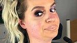 Tess Daly si nehraje na dokonalost - barevná nestálost, vysoké čelo, naducané tváře, dvě brady.