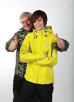 Martina Sáblíková pózují společně se svým trenérem Petrem Novákem
